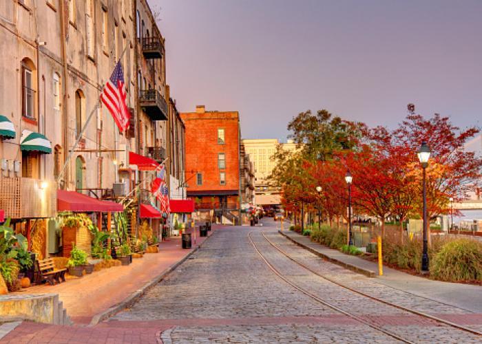 historic savannah downtown street